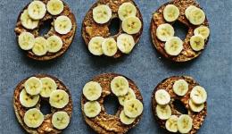 Peanut banana bagel