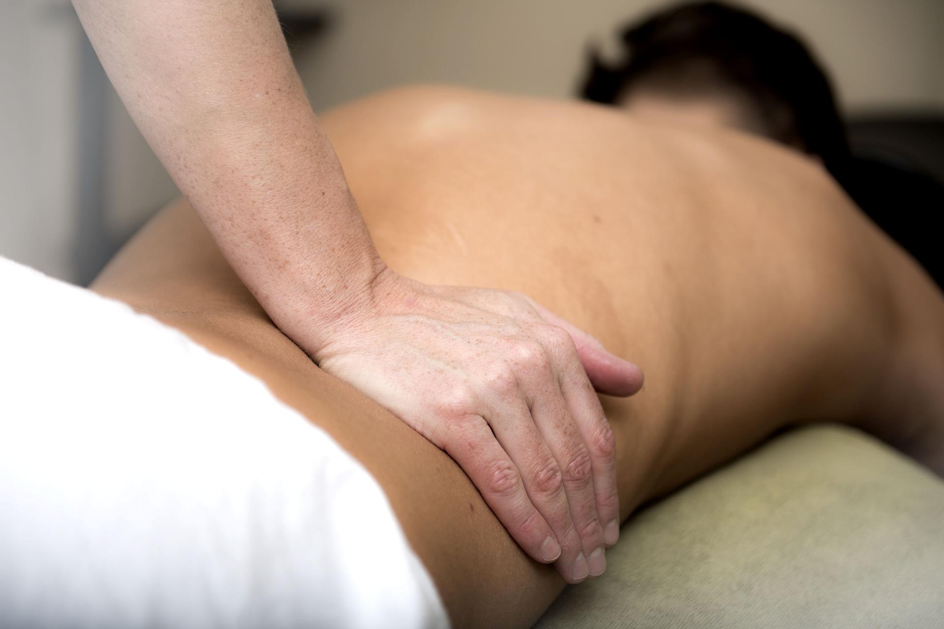 massage 3795692_1920